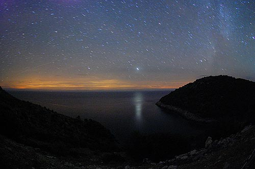 Reflection of Jupiter in the sea, Lastovo 2009, Photo by M. Smrekar